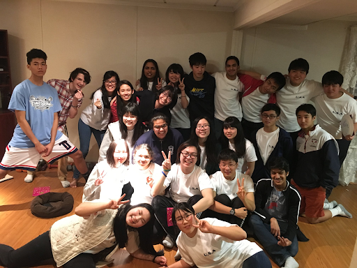 The Chiben and Jefferson Japanese students pose for their last picture together.