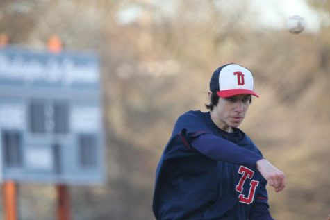 Pitcher Alexander Triaca throws the ball to first base. By this point, the score was 2-3 in Washington-Lee