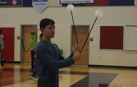 Jefferson Poi Club holds intro workshop