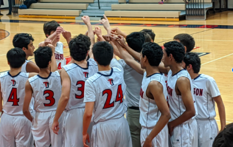 Junior varsity boys basketball loses home opener to Annandale