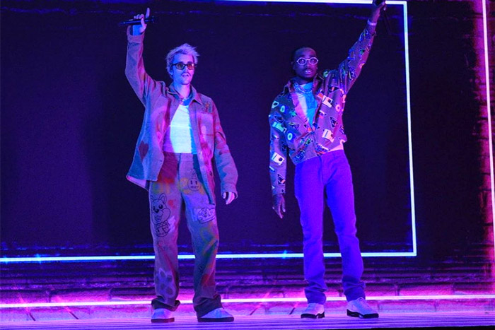 """In glamourous fashion, Justin Bieber and rapper Quavo put on an energetic show while performing their new song """"Intentions"""" on Saturday Night Live. Bieber was the musical guest on Saturday Night Live and it was his first performance since he announced """"Changes""""."""