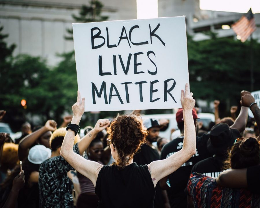 From+climate+change+to+racial+injustice%2C+Jefferson+students+in+the+Social+Change+club+spend+meetings+learning+and+debating+about+social+issues+and+recent+events.+Of+these%2C+the+Black+Lives+Matter+movement+is+one+of+the+social+movements+that+the+Social+Change+club+has+planned+to+be+discussed.